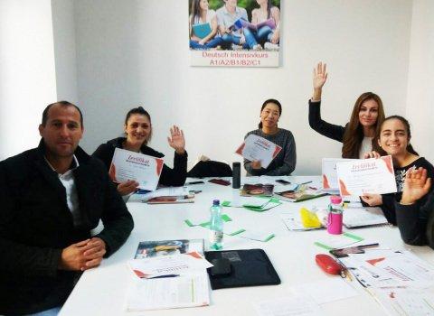 Kursabschluss A1.2, A2.1., September 2018 - wir lernen Deutsch mit IFU zusammen.