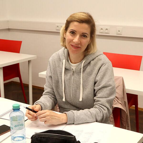 Elena ; A2.1; aus Russland